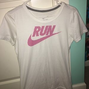 Women's Nike slim fit tee